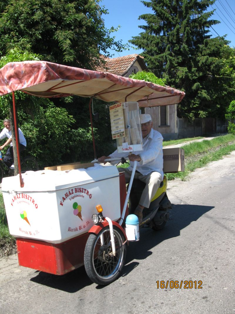 ice_cream_vendor