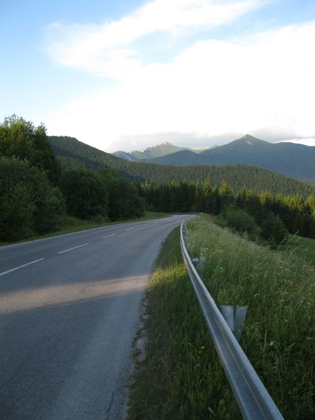 Bicycle_tour_descending_from_pass.jpg