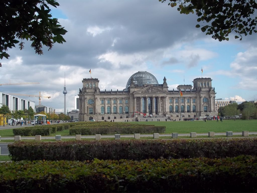 Berlin Reichstag tour cycling partner wanted