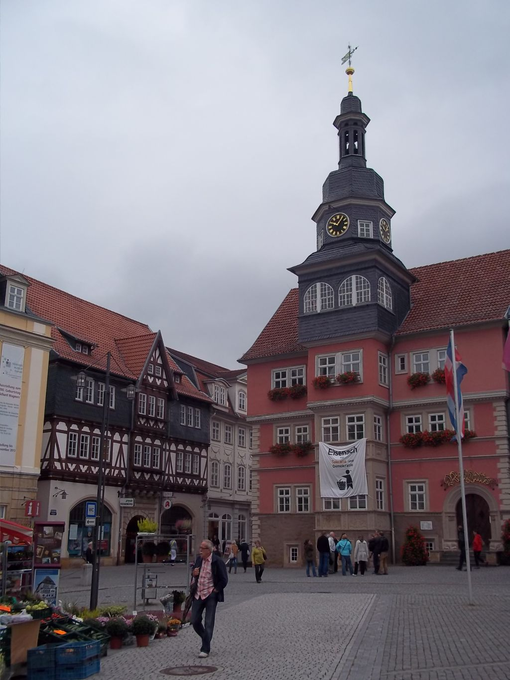 Eisenach, town hall, bicycle touring partner wanted