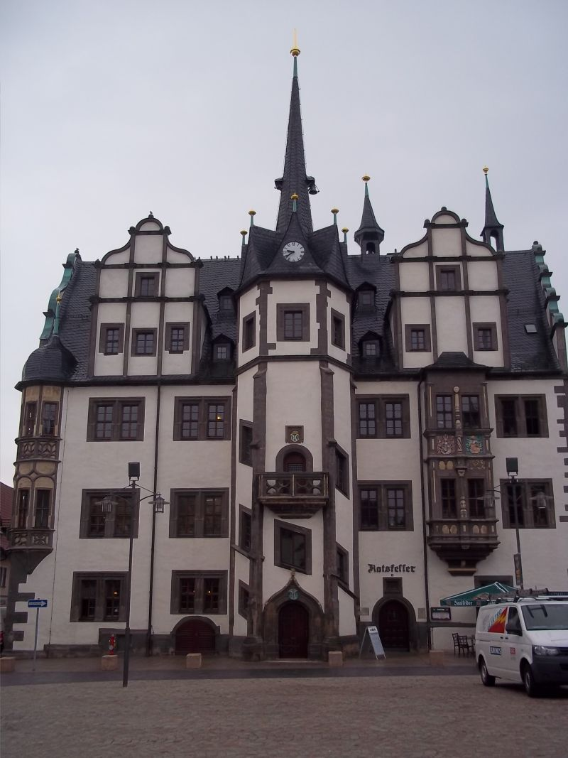 Saalfeld town hall,bicycle touring partner wanted