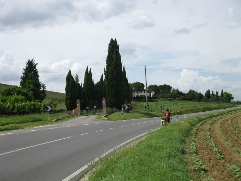estate_in_the_Toscana_wwith_cypresses